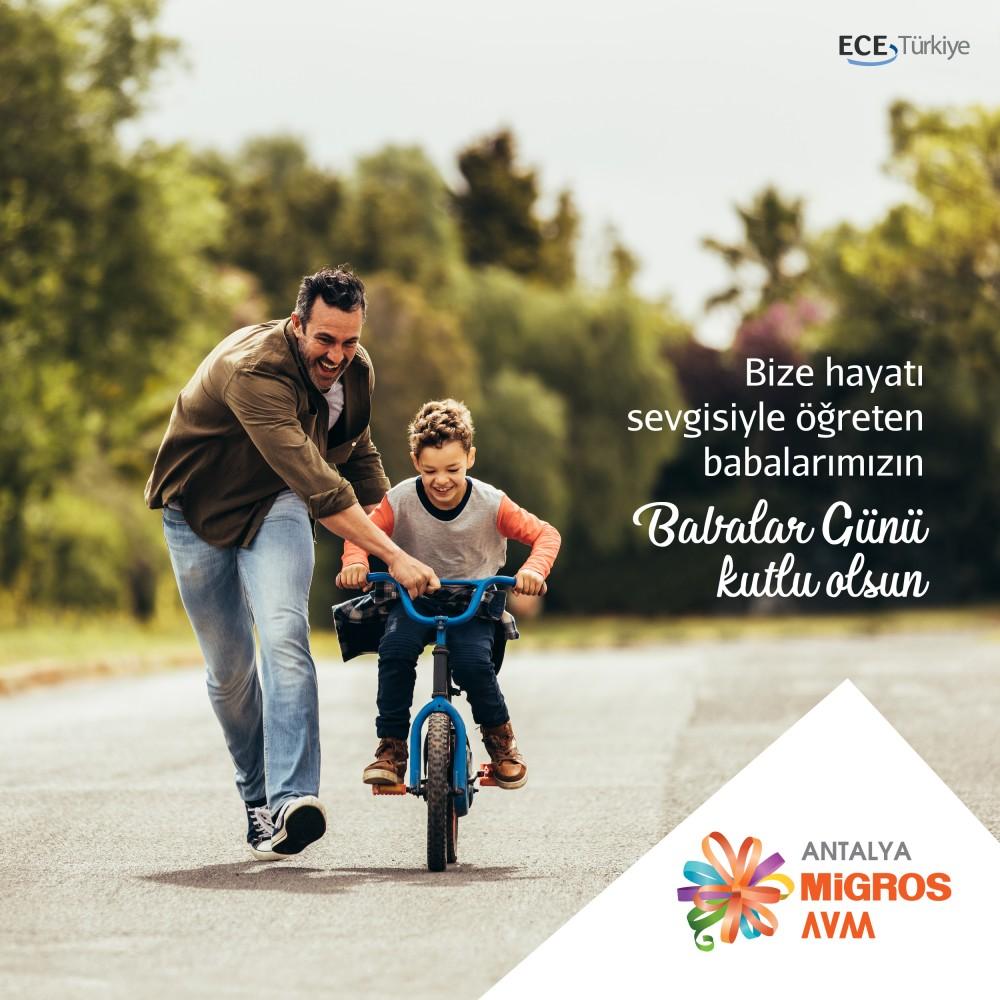 Bize hayatı sevgiyle öğreten babalarımızın Babalar Günü kutlu olsun.