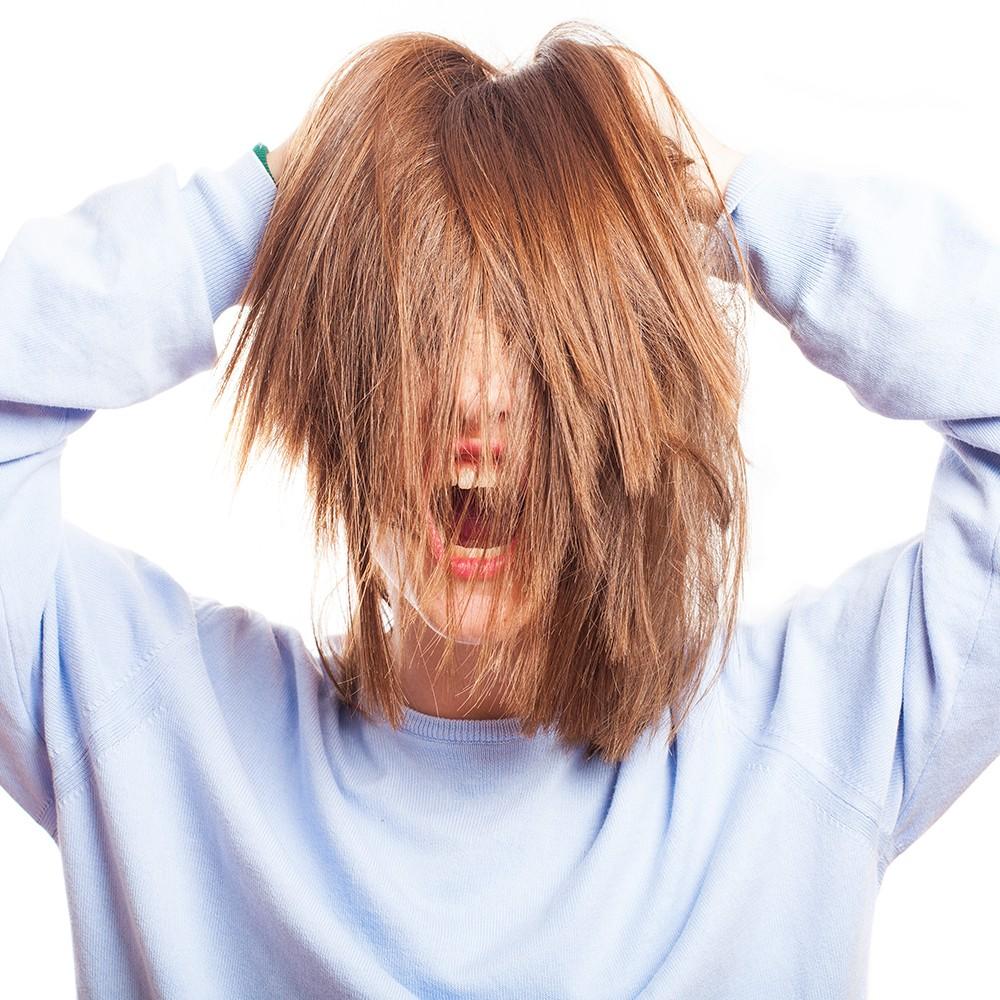 Mevsimsel Saç Dökülmesinin Nedenleri ve Çözümleri