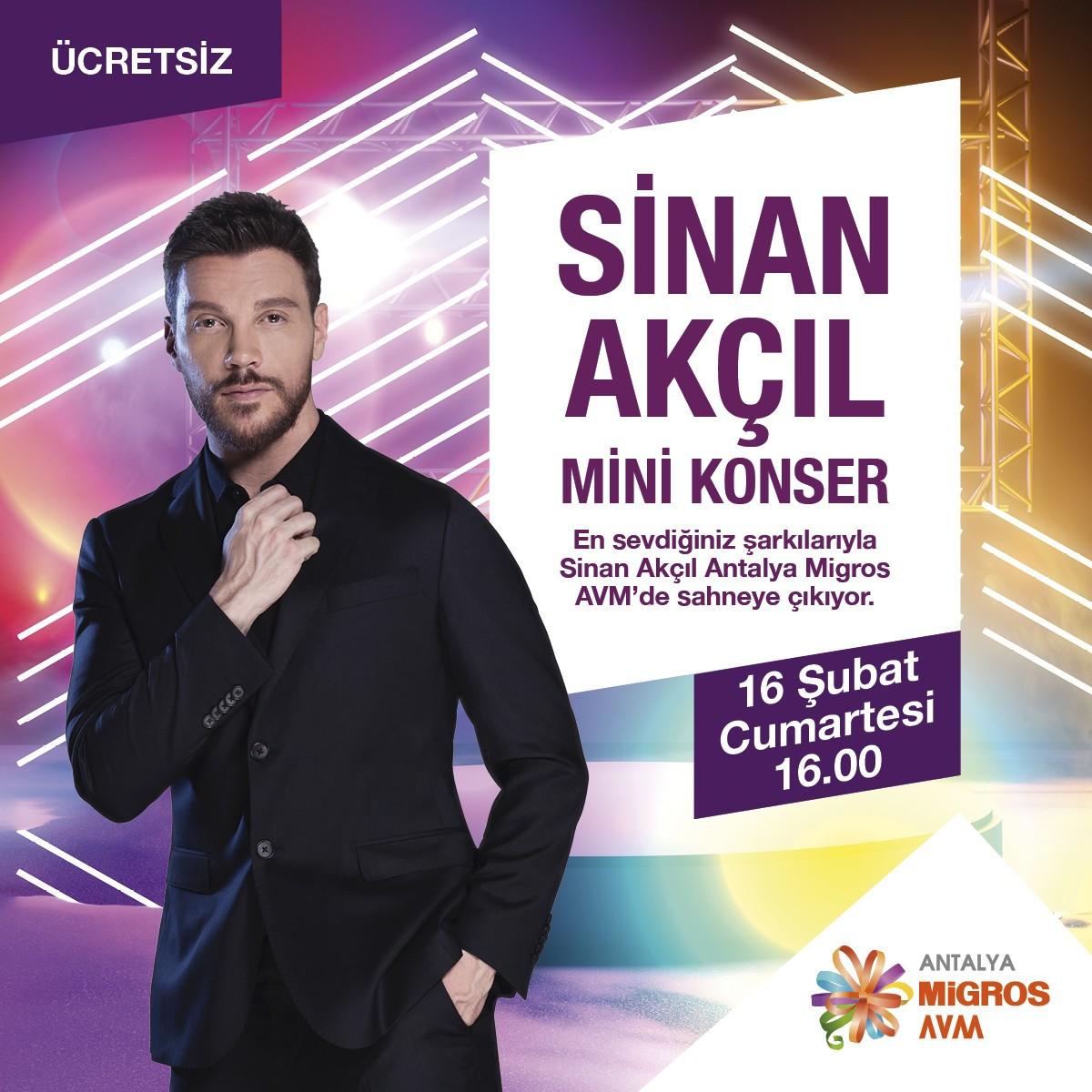 Sinan Akçıl Mini Konser!