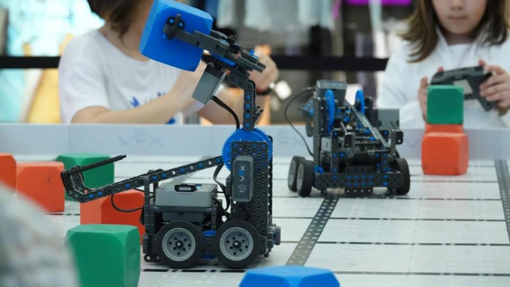 VEX IQ OFF SEASON ROBOTICS
